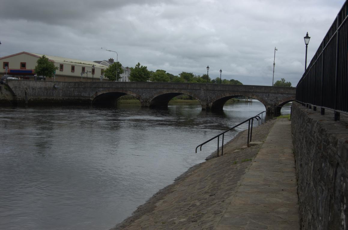 Pause in Ballina am River Moy