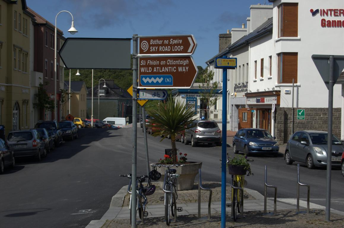 Wegweiser in Clifden